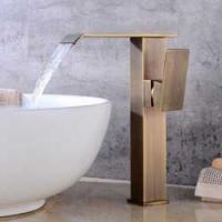 Antiker Wasserhahn