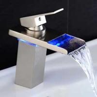 Wasserfall & LED Wasserhahn