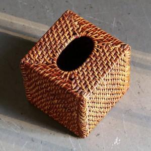 Amerikanisches Design Rattan handgefertigt Tissue Box gewebt quadratische Tabletts bodenlose Desktop Serviette Box braun 15 x 15 cm