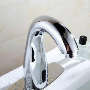 Badezimmer Automatische Touch Free Sensor Wasserhähne Wassereinsparung Induktive elektrische Wasserhahn Mischer Batterieleistung XR8849