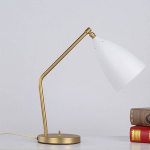 Kurze moderne Tischlampe einfache Schreibtischleuchte schwarz weiß grau Farbe Gold Körper nordische E27 Lampe Schlafzimmer Beleuchtung Zuhause Kunst dekorativ