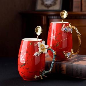 Kreative mehrfarbige Emaille-Kaffeetasse Tasse mit großer Kapazität Keramik Milchlegierung Handgriff Teetassen Heiße und kalte Getränke Wassertasse