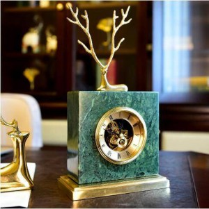 Europäische Kupfer Hirsch Marmor Uhr amerikanischen Retro-Zuhause Wohnzimmer Studie Büro TV Schrank Dekoration Dekoration Geschenk