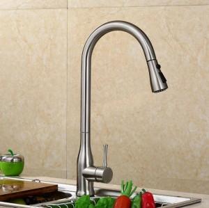 Ziehen Sie die Küchenarmatur Spüle Wasserhahn heißen und kalten Spüle Wasserhahn Kupfer-Teleskop-Drehhahn LAD-60