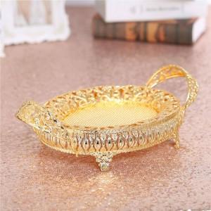 Goldener Frucht-Kasten-Süßigkeits-Platten-Retro Metallbehälter, hohle Metallplatte für Hochzeits-Dekorations-Geburtstagsfeier