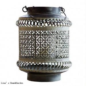 Handcraft Brown-Weiß-Weinlese-Retro durchbohrte Metallhurrikan-Kerzen-Laterne