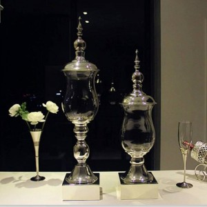 Hochwertige versilberte Metallbasis-Bonbondosen mit hoher Decke, dekorative Ornamente für die Glaslagerung, Hotel-Hochzeitsvase