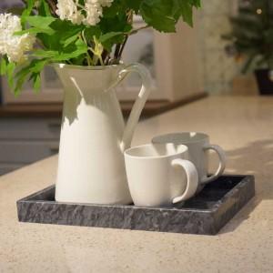 InsFashion elegantes und hochwertiges rechteckiges Tablett aus Naturmarmor für Wohnkultur im japanischen Stil und kontrollierten Posengebrauch