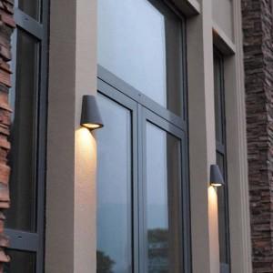 Moderne LED-Veranda Licht Gartenbeleuchtung wasserdichte Außenwandleuchten Balkon Hof Professionelle Beleuchtung Außenwandleuchte