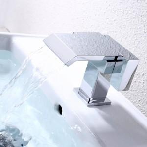Narceyz Waschtischarmaturen Bad Wasserfall Wasserhahn Verchromt Doppelgriff Messing BasinHot und Kaltmischer Hohe Qualität A1009