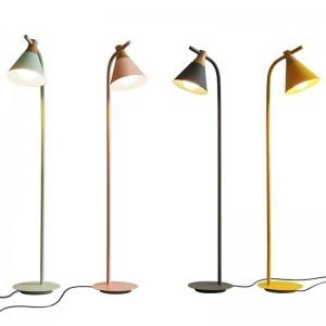 Neue klassische Stehlampen Wohnzimmer Dekoration Metall und Holz bunte Lampe Körper Lampe Lampenschirm Schlafzimmer Nacht LED-Beleuchtung
