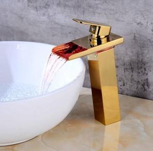 Neue Europäische Gold / Schwarz waschbecken wasserhahn bad LED wasserfall waschbecken heißen und kalten kupfer wasserhahn bad wasserhahn A1015