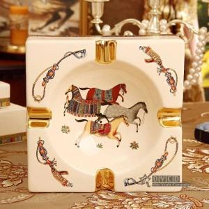 Porzellan Aschenbecher Elfenbein Porzellan 4 Größen Gott Pferde Design quadratische Form Heimtextilien liefert Einweihungsparty Werbegeschenke