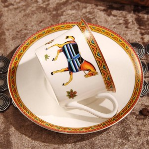 Porzellan Kaffeetasse und Untertasse Knochen Kaffeetasse der Gott Pferde Design Umriss in Gold Teetasse und Untertasse Tasse und Untertasse