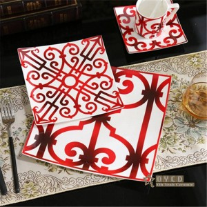 Porzellan europäischen Stil Keramik Geschirr Set Knochen Mode Red Design 5pcs Geschirr Sets Striped Dinner Set Geschenke