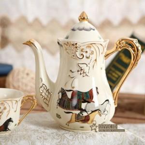 Porzellan Teeservice Elfenbein Porzellan Gott Pferde Design Umriss in Gold 8er Teeservice Tasse Set mit Tablett Teekanne Tee Tablett