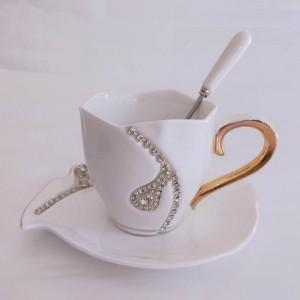 Diamanten Design Kaffeetasse Kreative Geschenk Liebhaber Teetassen 3D Keramik Becher Mit Strass Dekoration Tassen Und Untertassen